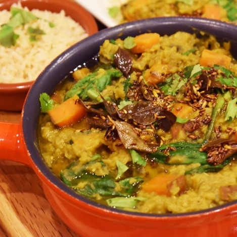 Red lentil dahl with tempering oil - £1.85