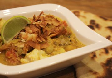 Fish curry with roasted coconut