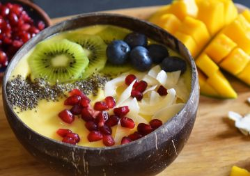 Mango boost smoothie bowl
