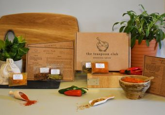 Curry spice selection box